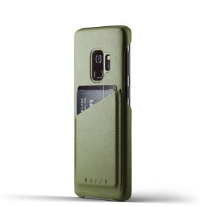 Designed for the Samsung Galaxy S9, this olive genuine leather case from Mujjo provides a perfect fit and durable protection against scratches, knocks and drops with the added convenience of a credit card-sized slot.