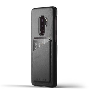 Designed for the Samsung Galaxy S9 Plus, this black genuine leather case from Mujjo provides a perfect fit and durable protection against scratches, knocks and drops with the added convenience of a credit card-sized slot.