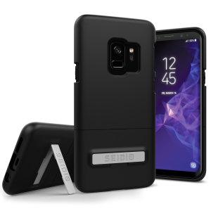 Ein schlankes und schlankes Soft-Touch-Gehäuse in Schwarz für den Samsung Galaxy S9. Bietet hervorragenden Schutz, minimales Volumen und einen integrierten Ständer für die Anzeige von Medien.