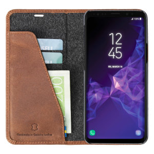 Krusell's 2 Card Sunne Folio Wallet genuine leather case in vintage cognac combines Nordic chic with Krusell's values of sustainable manufacturing for the socially-aware Galaxy S9 owner who seeks 360° protection with extra storage for cash or cards.