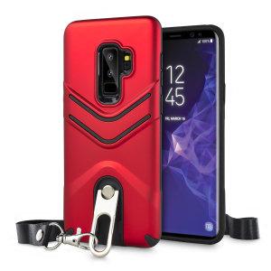 """Schützen Sie Ihr Samsung Galaxy S9 Plus vor Stößen und Kratzern mit dieser roten LanYard Hülle von Olixar. Die hülle kommt mit einem eingebauten 360 Grad Stand und einem schnell entfernbaren Schlüsselband, welches Ihnen ein sicheres """"Tragen"""" von Ihrem Galaxy S9 Plus um Ihren Nacken ermöglicht."""
