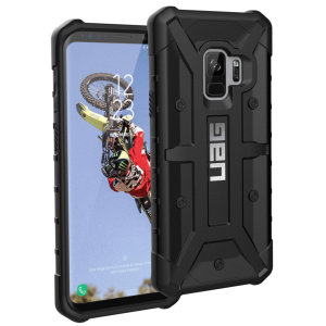 The Urban Armour Gear Pathfinder black rugged case for the Galaxy S9 features a classic tough-looking, composite design with a soft impact-absorbing core and hard exterior that provides superb protection in all situations.