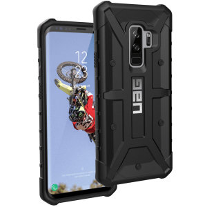 The Urban Armour Gear Pathfinder black rugged case for the Galaxy S9 Plus features a classic tough-looking, composite design with a soft impact-absorbing core and hard exterior that provides superb protection in all situations.