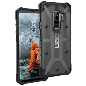 The Urban Armour Gear Plasma for the Samsung Galaxy S9 Plus features a protective TPU case in ash grey and black with a brushed metal UAG logo insert for an amazing design and excellent protection from scrapes, bumps and scratches.