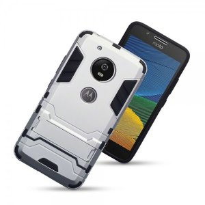 Protect your Motorola Moto G5 from bumps and scrapes with this silver dual layer armour case. Comprised of an inner TPU section and an outer impact-resistant exoskeleton, with a built-in viewing stand.