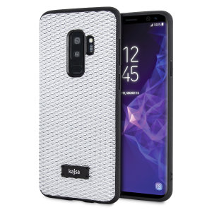 Form meets function in this elegant, understated yet undeniably indulgent case for the Samsung Galaxy S9 Plus. A diamond pattern adorns the back of this case, adding a shimmering grace, in silver.