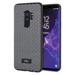Form meets function in this elegant, understated yet undeniably indulgent case for the Samsung Galaxy S9 Plus. A diamond pattern adorns the back of this case, adding a shimmering grace, in grey.