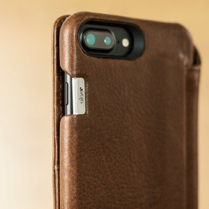 Treat your iPhone 8 Plus to exquisite handmade craftsmanship and the highest quality materials. Featuring genuine tanned bridge leather and three card slots, the Vaja Wallet Agenda premium leather case in brown is something special.