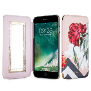 Ever wanted to check how you're looking on the go? With the Ted Baker Emmare Mirror case for iPhone 7 Plus, you can do just that thanks to a concealed mirror on the inside of the case's flip cover. This slimline case also offers excellent protection.