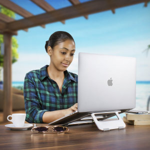 Olixar ErgoRiser Stand guarantees a productive and ergonomic working on the go. With perfect viewing elevation, anti-slip pads and a modern aluminium build which aids heat dissipation and cable management, it's the ideal companion for your MacBook.