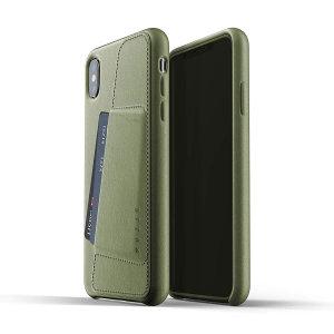 Diese für das iPhone XS Max entworfene, olivfarbene Echtledertasche von Mujjo bietet perfekten Sitz und dauerhaften Schutz vor Kratzern, Stößen und Stürzen mit dem zusätzlichen Komfort eines Scheckkarten-Steckplatzes