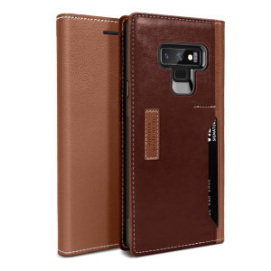 The K3 Wallet Case in brown and burgundy for the Samsung Galaxy Note 9 comes complete with card slots, a large document pocket and is made with luxurious leather-style materials for a classic, prestige and professional look.