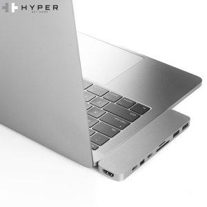 Verwenden Sie beide Thunderbolt 3 USB-C-Ports und fügen Sie mit diesem Adapter in Space Grey einen 4K Mini DisplayPort, 2 x Full-Size USB-Ports, einen Thunderbolt 3 Port, einen USB-C Port, einen SD Card Slot und einen Micro SD Card Slot zu Ihrem MacBook Pro hinzu.