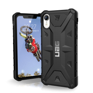 The Urban Armour Gear Pathfinder black rugged case for the iPhone XR features a classic tough-looking, composite design with a soft impact-absorbing core and hard exterior that provides superb protection in all situations.