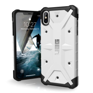 The Urban Armour Gear Pathfinder white rugged case for the iPhone XS Max features a classic tough-looking, composite design with a soft impact-absorbing core and hard exterior that provides superb protection in all situations.