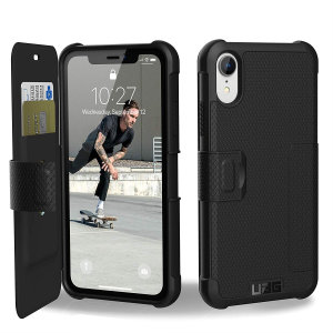 Equip your iPhone XR with extreme, military-grade protection and storage for cards with the Metropolis Rugged Wallet case in black from UAG. Impact and water resistant this is the ideal way of protecting your phone and providing card storage.