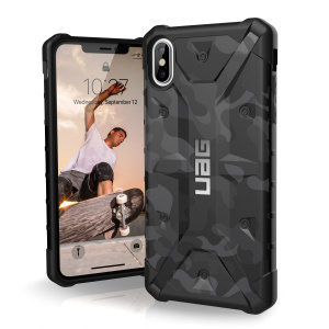 The Urban Armour Gear Pathfinder midnight camo rugged case for the iPhone XS Max features a classic tough-looking, composite design with a soft impact-absorbing core and hard exterior that provides superb protection in all situations.