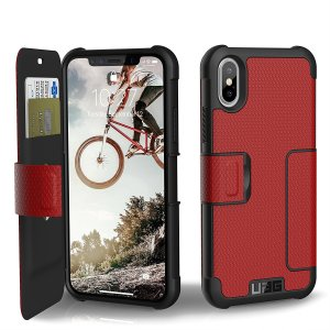 Equip your iPhone XS with extreme, military-grade protection and storage for cards with the Metropolis Rugged Wallet case in red from UAG. Impact and water resistant this is the ideal way of protecting your phone and providing card storage.
