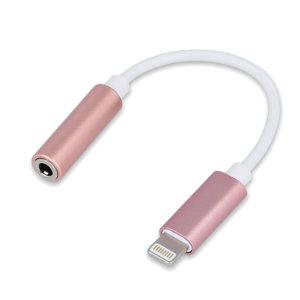 Met deze Forever-audioadapter kunt u uw traditionele 3,5 mm-audiotoebehoren aansluiten op uw iPhone XR via de Lightning USB-poort. Ideaal voor gebruik met oortelefoons, hoofdtelefoons of luidsprekers met een standaard 3,5 mm Aux-aansluiting.