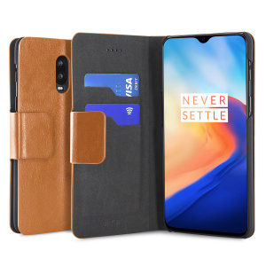 The Olixar leather-style OnePlus 6T Wallet Case in tan attaches to the back of your phone to provide superb enclosed protection and can also be used to hold your credit cards. So you can leave your other wallet home as this case has it all covered.
