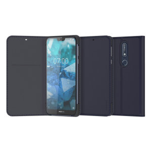 Protect your Nokia 7.1's back, sides and screen from harm while keeping your most vital card close to hand. With a folding design, the Entertainment cover in blue from Nokia makes for easy media viewing.