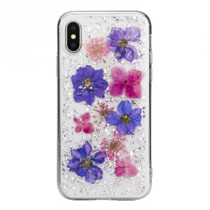 Made using real natural flowers and seashells, the Flash Case from SwitchEasy in purple, provides a unique design for your iPhone XS, while also offering protection from drops, scrapes and other damage.