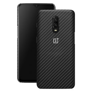 Protect your OnePlus 6T with this Official carbon protective case. Simple yet stylish, this case is the perfect accessory for your 6T.