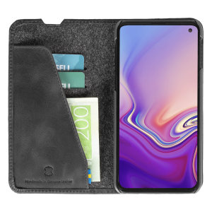 Krusell's Sunne 2 Card Foliowallet vegan leather case in Vintage Black combines Nordic chic with Krusell's values of sustainable manufacturing for the socially-aware Samsung Galaxy S10E owner who seeks 360° protection with extra storage for cash and cards
