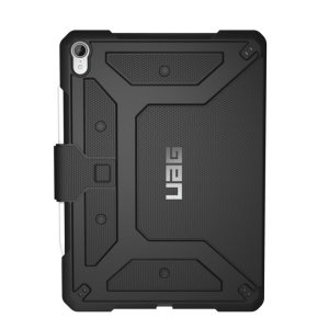 Equip your iPad 11 with extreme, military-grade protection with the Metropolis Flip case in black from UAG. Impact and water resistant, this is the ideal way of protecting your iPad.