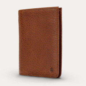 Protect your most valuable cards with this RFID-blocking wallet and card holder. This stylish Italian leather wallet is capable of holding between 4-10 cards, flat notes, and coins. RFID enabled cards slot allows you to pay contactless.