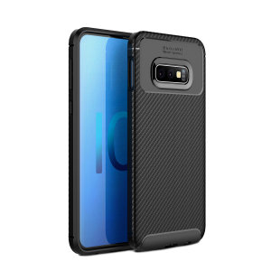 Olixar Carbon Fibre case is a perfect choice for those who need both the looks and protection! A flexible TPU material is paired with an eye-catching carbon print to make sure your  Galaxy S10e is well-protected and looks good in any setting.