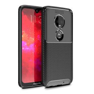 Olixar Koolstofvezel Case is een perfecte keuze voor diegenen die zowel uiterlijk als bescherming nodig hebben! Een flexibel TPU-materiaal wordt gecombineerd met een opvallende carbonprint om ervoor te zorgen dat je Motorola Moto G7 goed wordt beschermd en er in elke omgeving goed uitziet.