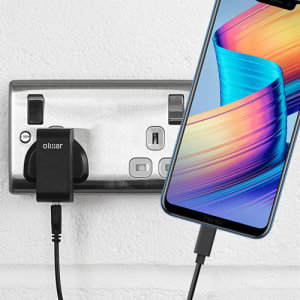 Keep your Honor Play fully charged on the road with this compatible Olixar high power dual USB 3.1A Car Charger with an included high quality USB to USB-C charging cable.