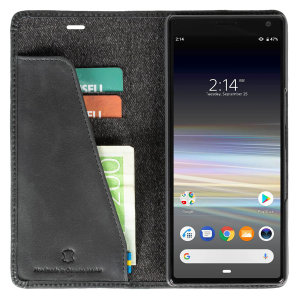 The Useful Sunne 2 Card Foliowallet Sony Xperia 10 Vintage black has a slim design and is made with genuine leather folded around the phone. Allowing you to easily store your cards into your phone.