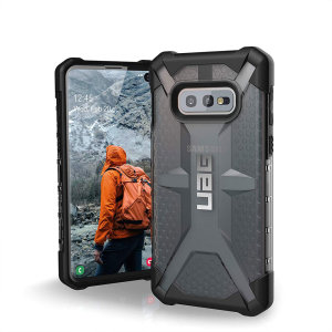 The Urban Armour Gear Plasma for the Samsung Galaxy S10e features a protective TPU case in ash grey and black with a brushed metal UAG logo insert for an amazing design and excellent protection from scrapes, bumps, and scratches.