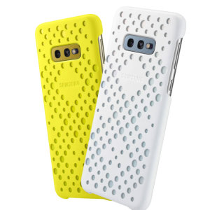Protect your Samsung Galaxy S10e with this Official pattern cases in yellow and white. Simple yet stylish, these cases are the perfect accessory for your S10e.