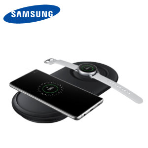 Laden Sie Ihr Samsung Galaxy Smartphone drahtlos mit der Wireless Fast Charge Technologie mit diesem offiziellen Samsung Qi Duo Wireless Charging Pad in Schwarz.