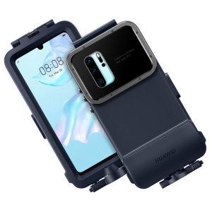 La coque officielle Huawei Snorkeling en coloris bleu offre à votre Huawei P30 Pro une protection étanche à l'eau jusqu'à une profondeur impressionnante de 10 mètres. Un moyen simple et sécurisé pour immortaliser des moments incroyables sous l'eau et de conserver votre smartphone à l'abri lors d'une plongée sous-marine.