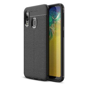 Jos kaipaat ammattimaista ja minimalistista tyyliä, valitse Olixarin Attache Samsung Galaxy A20E -kotelo. Joustava ja kestävä suoja tarjoaa laitteellesi siistin, nahkaa muistuttavan viimeistelyn