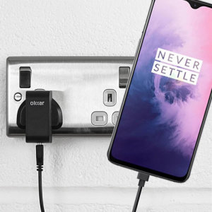 Charge your OnePlus 7 and any other USB device quickly and conveniently with this compatible 2.5A high power USB-C UK charging kit. Featuring a UK wall adapter and a 1m USB-C cable.