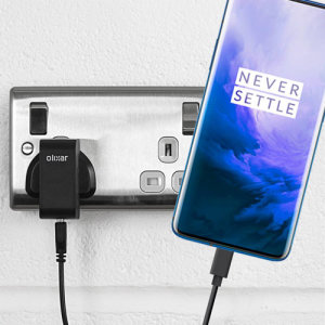 Charge your OnePlus 7 Pro 5G and any other USB device quickly and conveniently with this compatible 2.5A high power USB-C UK charging kit. Featuring a UK wall adapter and a 1m USB-C cable.