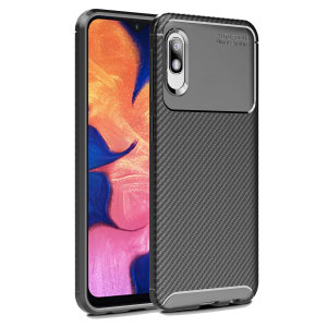 Olixar Carbon Fibre case is a perfect choice for those who need both the looks and protection! A flexible TPU material is paired with an eye-catching carbon print to make sure your  Samsung Galaxy A10e is well-protected and looks good in any setting.