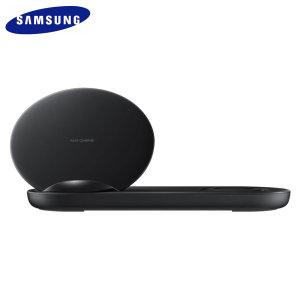 Este cargador inalámbrico Qi le permitirá cargar su Samsung Galaxy Note 10 de una forma rápida, segura y cómoda. Mantenga el cargador inalámbrico siempre enchufado para que, nada más colocar el smartphone encima de él, éste comience a cargar. Además, su función duo permite cargar dos dispositivos a la vez.