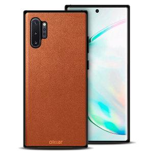 Dit prachtige hoesje van Olixar voor de Samsung Galaxy Note 10 Plus is gemaakt van eersteklas echt leer en biedt een verbluffende stijl en prestigieuze bescherming voor je telefoon in een slank en slank pakket.