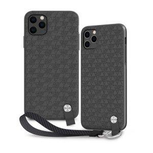 Protégez votre iPhone 11 Pro Max des chocs et des dommages accidentels avec la coque Moshi Altra en coloris noir sombre. Robuste et élégante, elle est livrée avec une dragonne amovible pour une sécurité maximale. Son revêtement texturé luxueux améliore la prise en main de votre téléphone.
