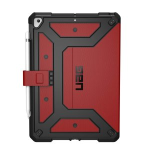 Equip your iPad 10.2 2019 with extreme, military-grade protection with the Metropolis Flip case in magma from UAG. Impact and water resistant, this is the ideal way of protecting your iPad.