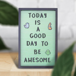 Daily memos are important for everyone so you don't forget what you have to do. This cool peg board allows you to keep track of all the important things going on around you. Leave notes or tasks with cool lettering and numbers.