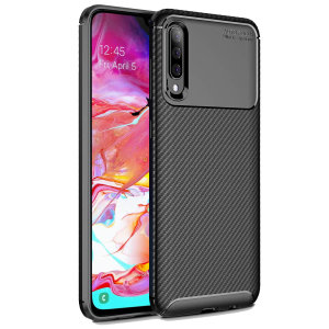 Olixar Carbon Fibre case is a perfect choice for those who need both the looks and protection! A flexible TPU material is paired with an eye-catching carbon print to make sure your Samsung Galaxy A70s is well-protected and looks good in any setting.