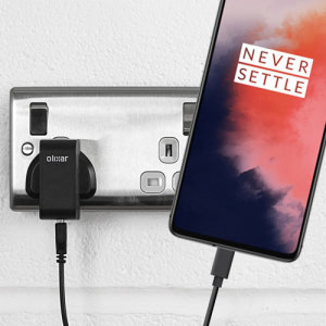 Charge your OnePlus 7T and any other USB device quickly and conveniently with this compatible 2.5A high power USB-C UK charging kit. Featuring a UK wall adapter and a 1m USB-C cable.