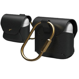 Add superior protection to your Apple AirPods Pro case in Black with this stylish, sleek and minimalist leather hang case from Elago. The cover allows full access to your AirPods Pro and their charging case.